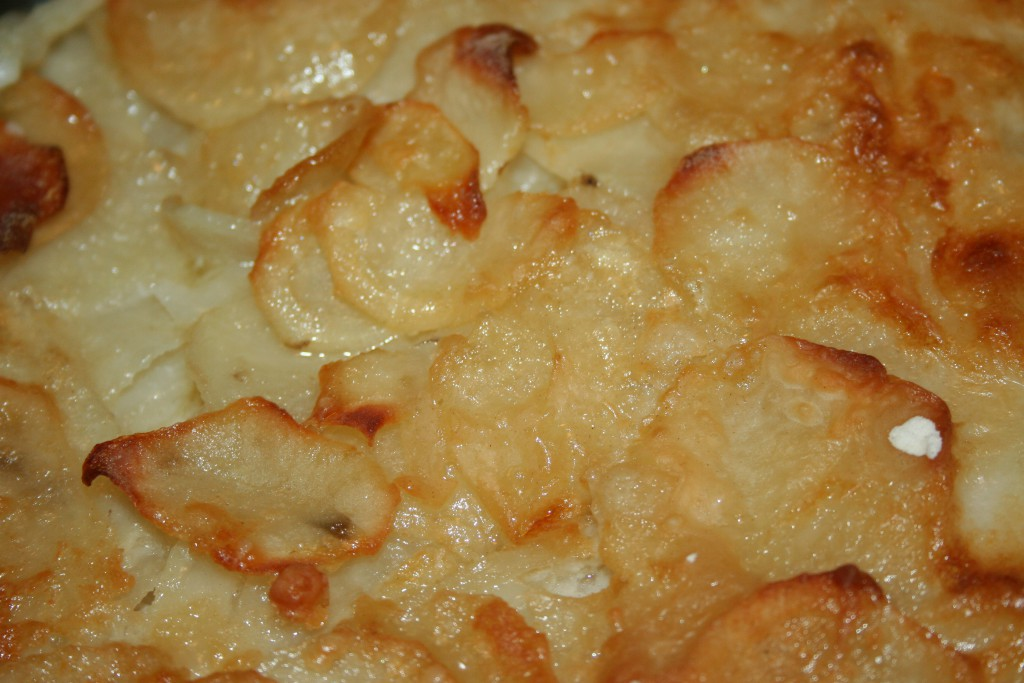 Finished Scalloped Potatoes ~ LifeofJoy.me