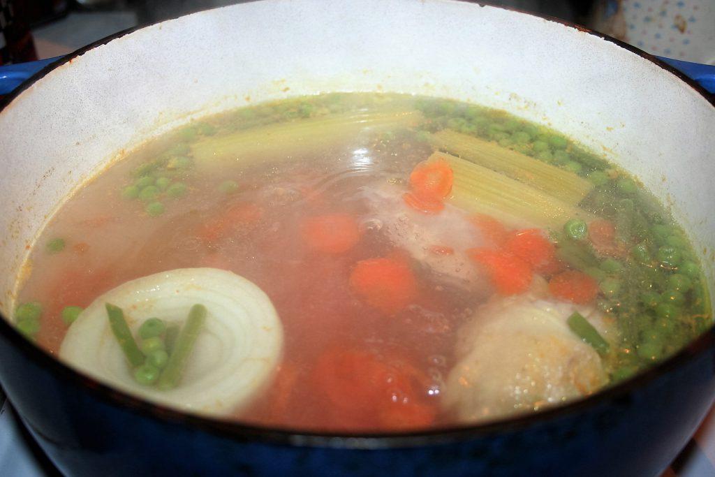 Easy Chicken Soup ~ Lifeofjoy.me