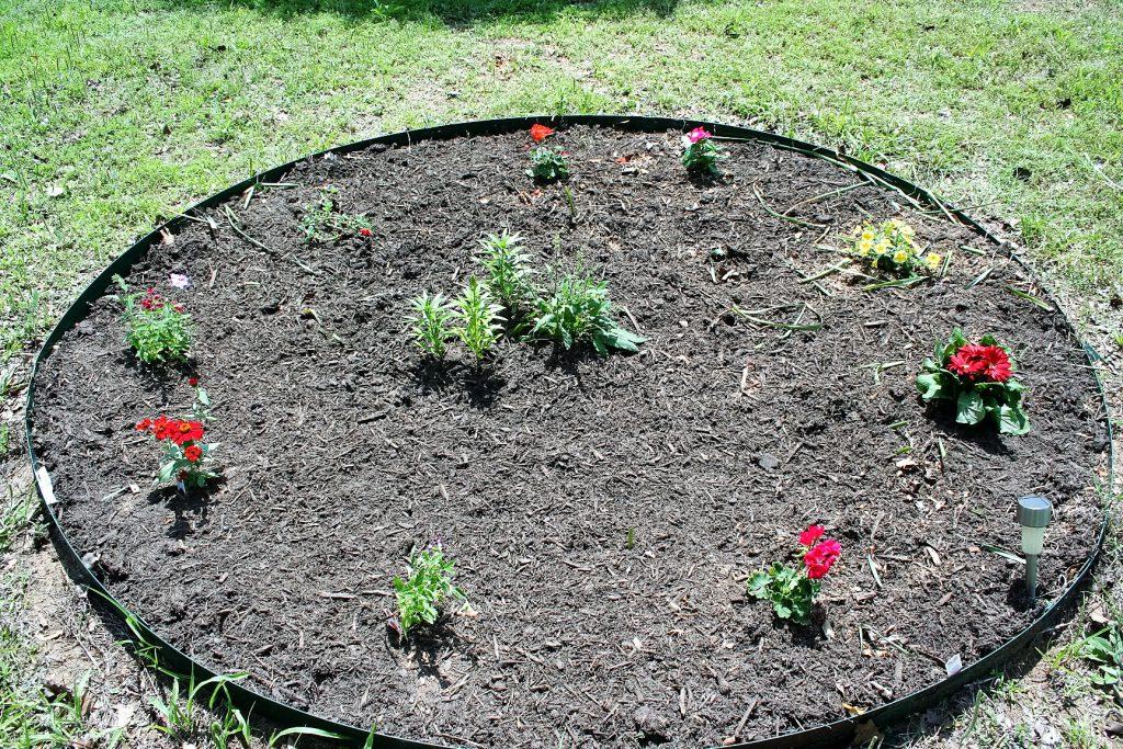 Circular Flower Bed ~ Lifeofjoy.me